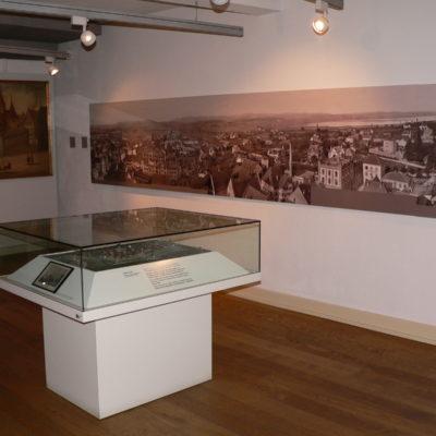 Modell und historisches Stadtpanorama
